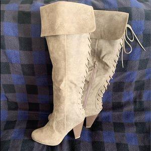 Shoes - Gorgeous Lace Up Boots!
